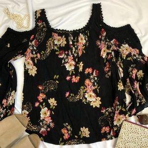 Bila top blouse Bell Sleeve Floral Boho small A29